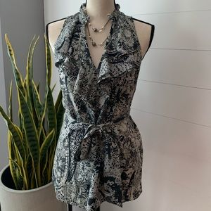 NEW CONDITION! Banana Republic Top with Belt